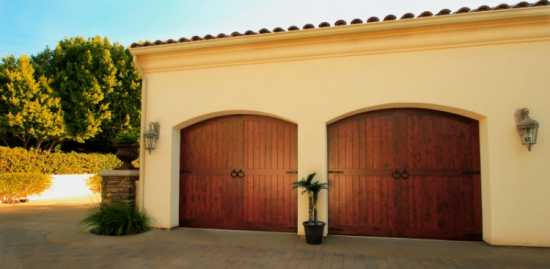 Castle Garage Doors Repair in San Diego
